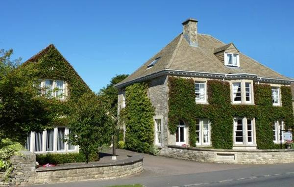 Cotteswold House, bed and breakfast and self catering in Bibury