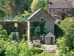 Excellent Bibury Accommodation Bed And Breakfast Hotels And Self Download Free Architecture Designs Lukepmadebymaigaardcom