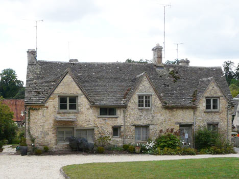 Fabulous Holiday Cottages In Bibury Self Catering Accommodation In Interior Design Ideas Gentotryabchikinfo